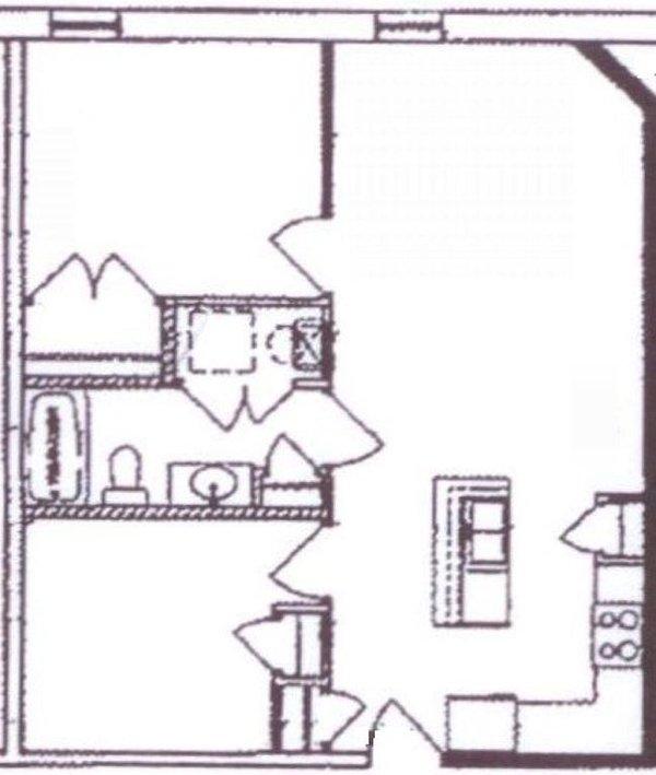 Öppet layout, drottning br längst upp till vänster, kung / tvillingbotten vänster, kökets botten till höger.