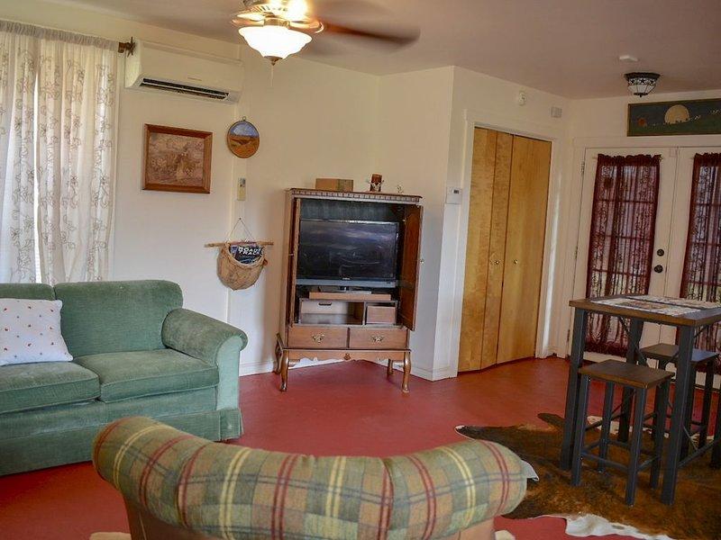 TX Longhorn Ranch, 75 Acres, Casita 2, alquiler vacacional en Round Mountain