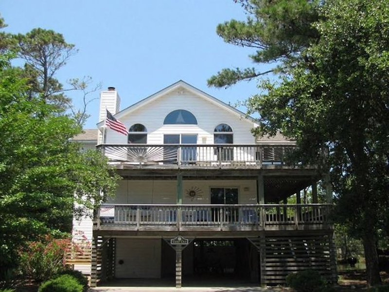 Time Out - 5 BR/4BA Beach Home in Corolla Light ' no management fees', alquiler de vacaciones en Corolla