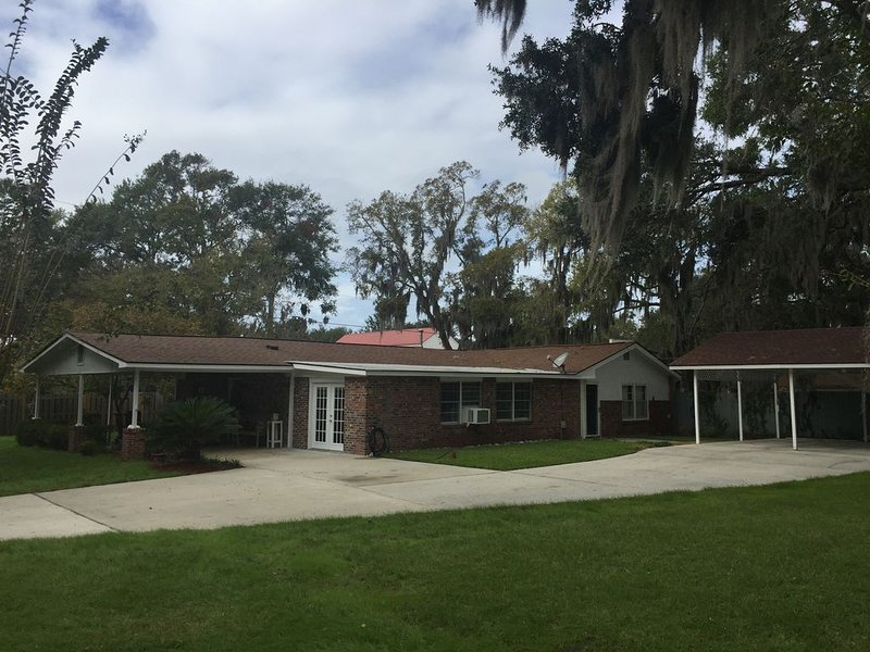 New Listing, perfect for graduations and lowcountry getaways, casa vacanza a Port Royal
