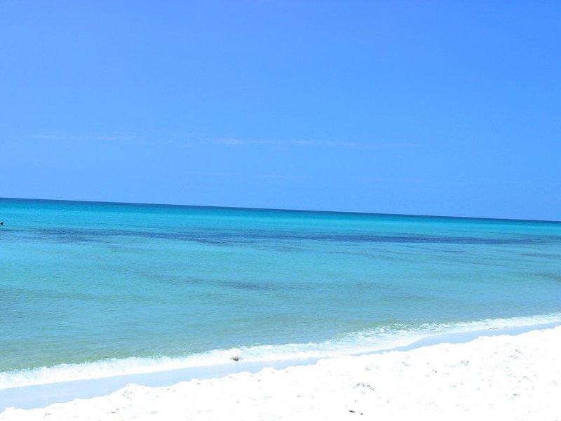 Casa Blue Jay Beach Home, let it be your vacation home too., alquiler de vacaciones en Navarre