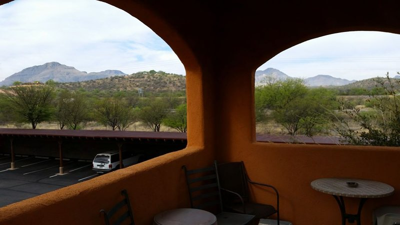 Lovely Tubac Ground level  condo with rooftop Skydeck!, vacation rental in Nogales
