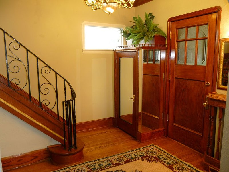 3 floors character house, holiday rental in Manitoba