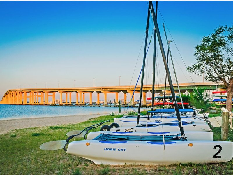 Walk to the Beach and Downtown Restaurants, Bars, and Shops!, holiday rental in Ocean Springs