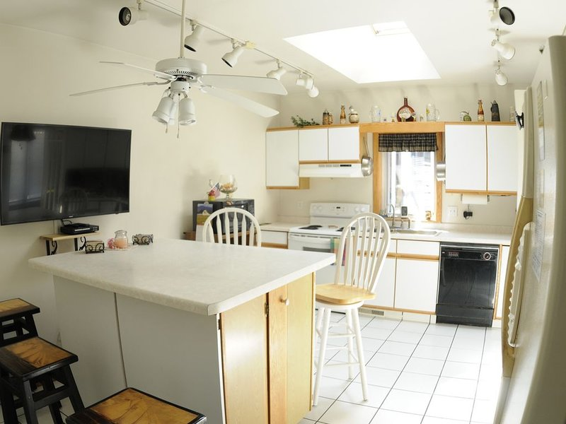Jon's Haus, 318 Ellis St, Kewaunee, WI. 54216, holiday rental in Luxemburg