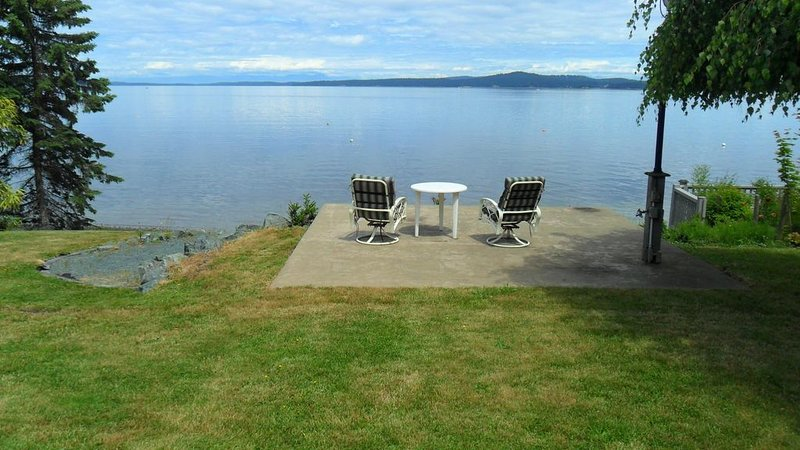 Ocean front beach home, holiday rental in Cowichan Valley Regional District
