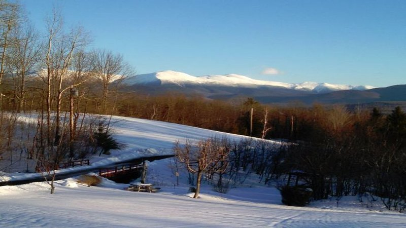 A wonderful getaway with stunning views of Mt. Washington set on over 40 acres., vacation rental in Whitefield
