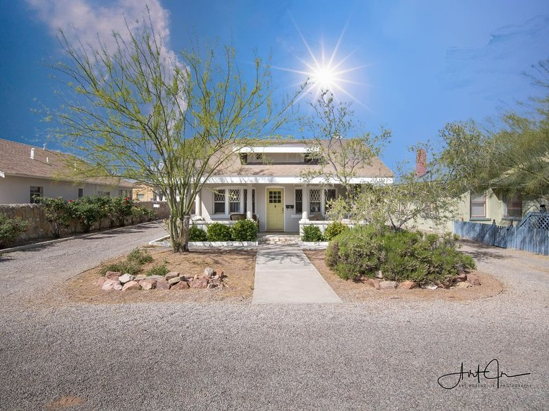 Casa Alameda, A Historical Retreat!, casa vacanza a Las Cruces