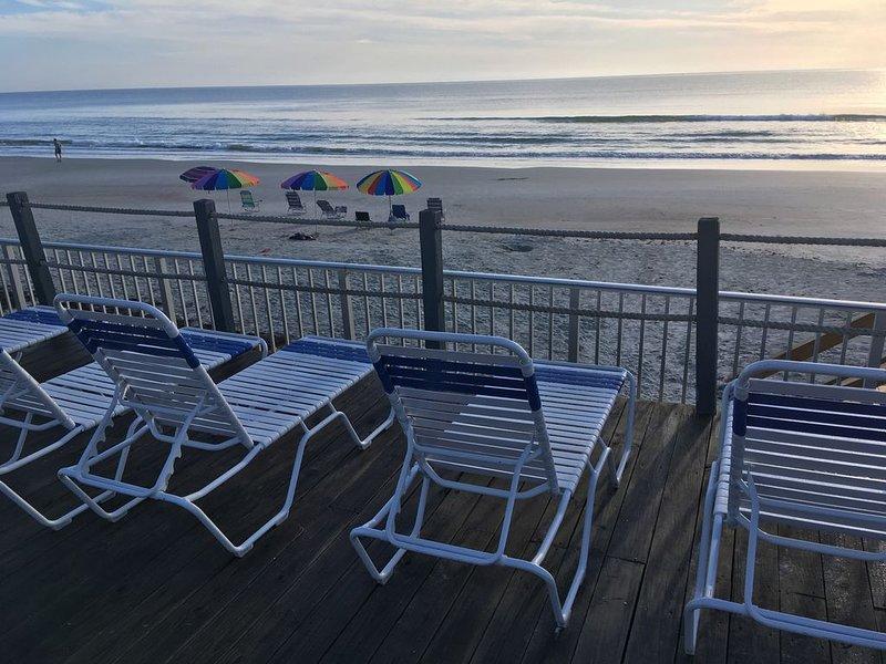 Renovated Beach Condo, partial ocean view SW corner Condo sunny balcony, holiday rental in New Smyrna Beach