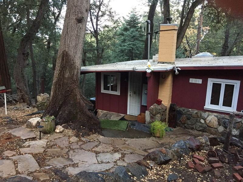 Perfect Palomar Mountain Getaway (With New Larger Deck), holiday rental in Palomar Mountain