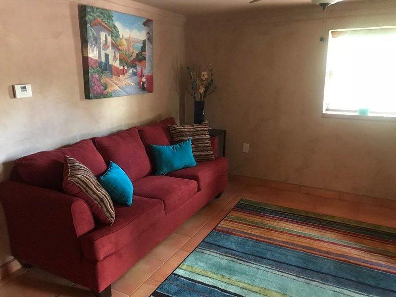 Historic Mesilla Adobe Home Near Plaza, casa vacanza a Las Cruces