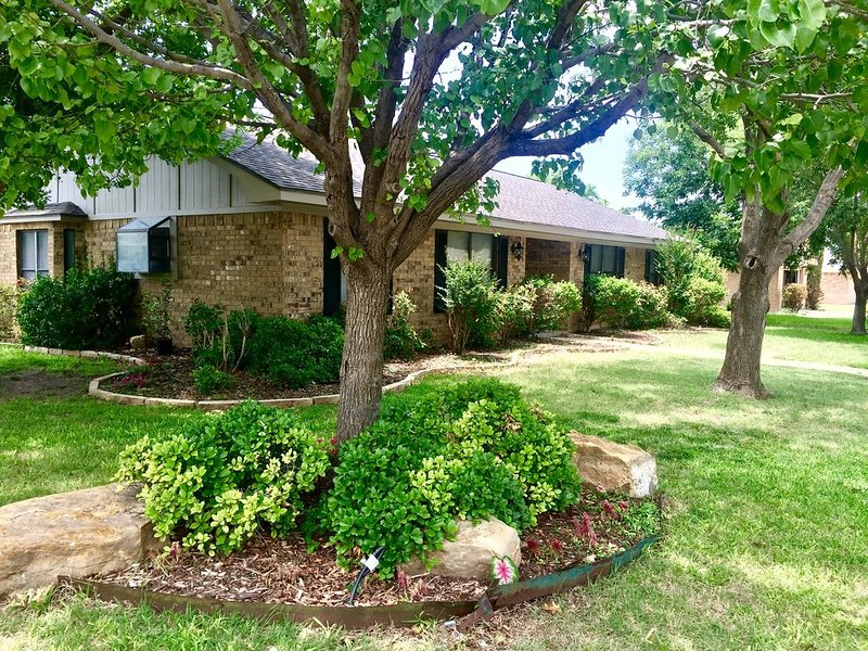 Conveniently located--home away from home, holiday rental in Abilene
