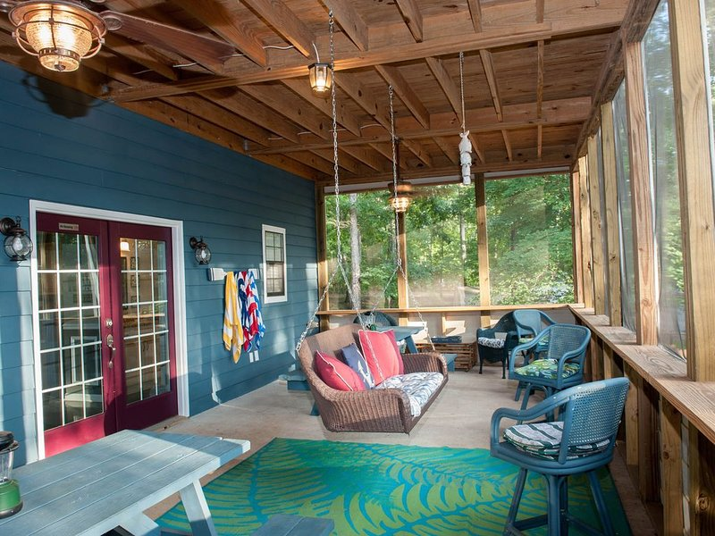 Tranquil lake GET-A-WAY, vacation rental in Eatonton