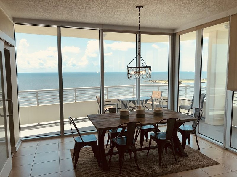 A Wave From It All - Your Escape from the Everyday Routine, vacation rental in Biloxi