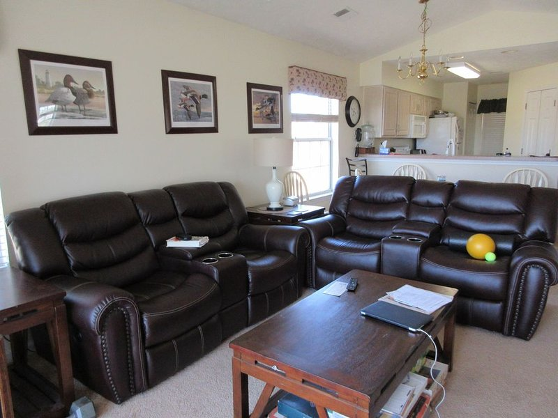 Golf Course Fronted Condo, vacation rental in Myrtle Beach