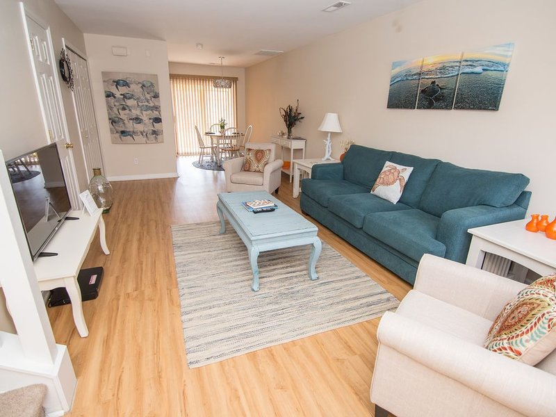 Turtle Cove - Comfortable 2 Bedroom Townhome, vacation rental in Wando