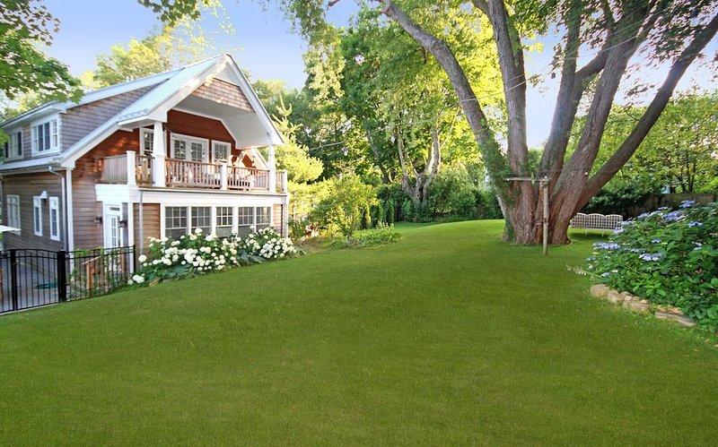 Sag Harbor, Hamptons Summer Compound w/ Pool, vacation rental in Sag Harbor