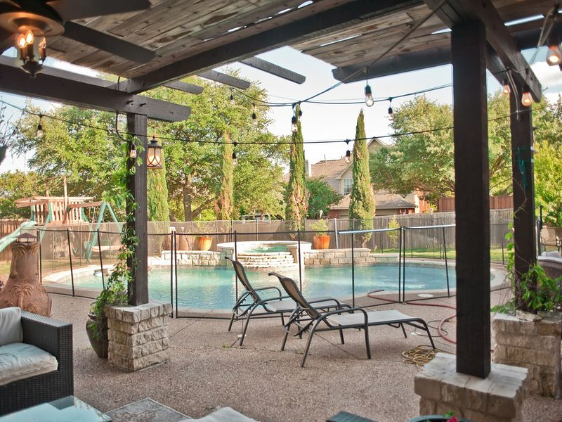 Luxury Resort Style Mckinney Home & FUN! Perfect location to Dallas, Frisco, etc, vacation rental in Princeton