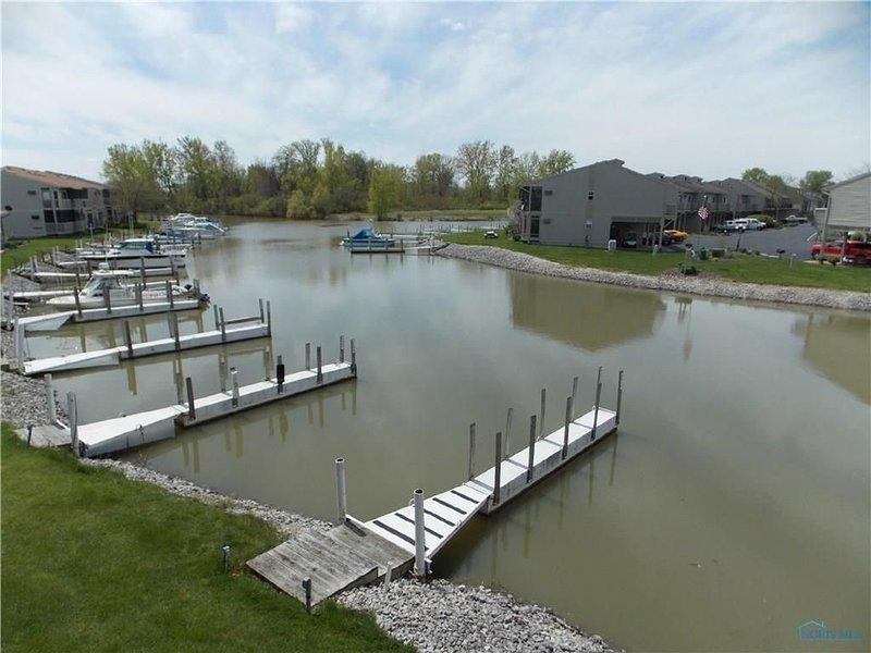 Great for Vacationers • Bird Watchers • Davis Bessie • Fishing-Charters on Site, holiday rental in Oak Harbor