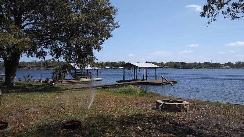 Lake Henry - The Perfect Getaway, holiday rental in Lorida