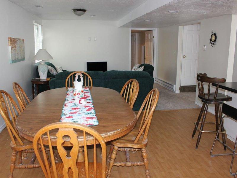 clean, comfortable, roomy, large kitchen, private entrance, alquiler vacacional en Erda