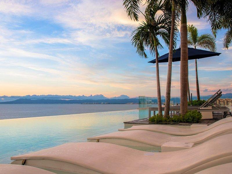 Amazing luxury penthouse in D' Terrace!, vacation rental in Puerto Vallarta