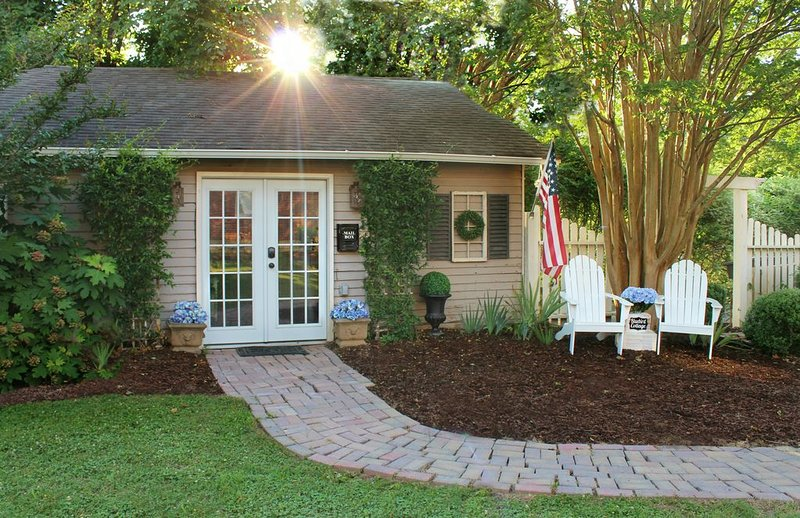 Ask about The Bluebird Cottage guest house on property!