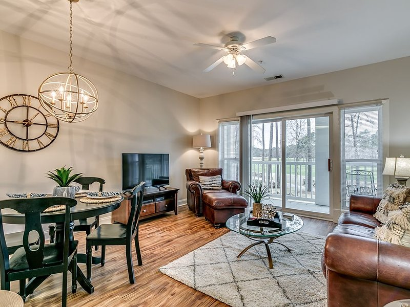 Luxury 2 BR World Tour Golf Course condo in Myrtle Beach, holiday rental in Conway