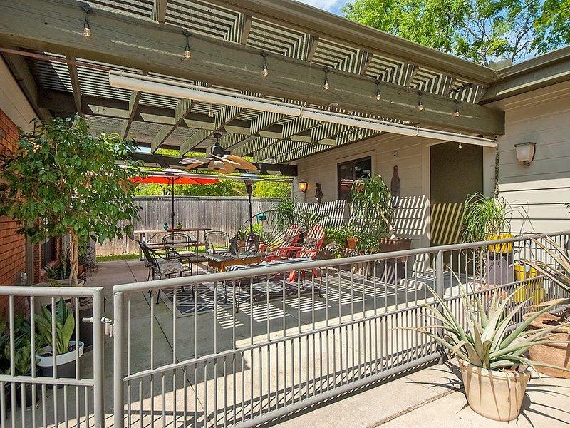 The Cozy Owl Cottage - So Close to So Much, location de vacances à Dallas