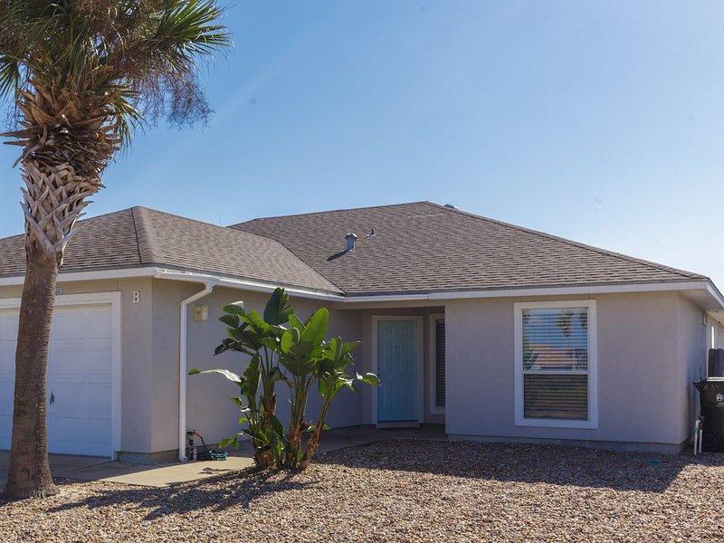 3/2 Near The Beach And Water Park (SLEEPS 8), vacation rental in Corpus Christi