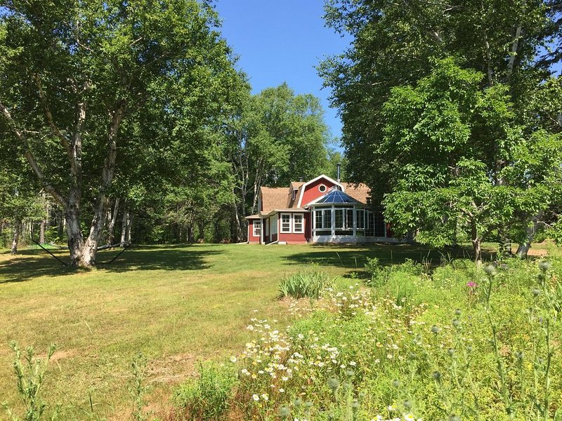 Rona Hill - A Forest Garden Getaway, holiday rental in Murray Harbour