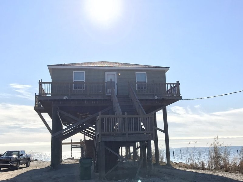 Newly Built Water Front Lake House, holiday rental in Slidell