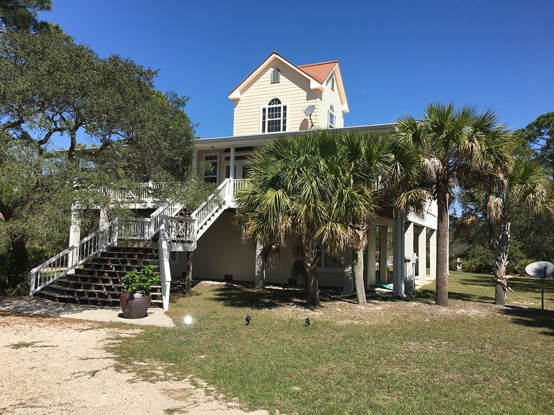 Prince Of Tides - Perfect family vacation home!, vacation rental in Panacea