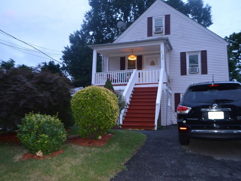 Great gateaway near DC, Old Town Alexandria and National Harbor, vacation rental in Alexandria