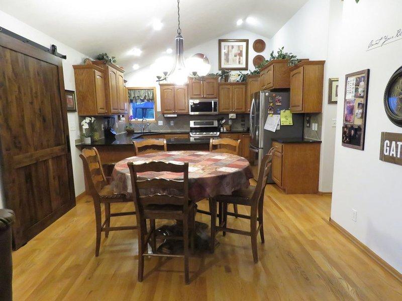 Beautiful 5BR, 3BA home, close proximity to I-80, holiday rental in Nebraska