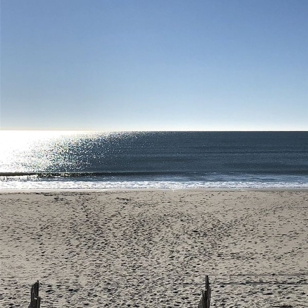 GREAT LOCATION-1st STREET CONDO WITH POOL, vacation rental in Ocean Isle Beach