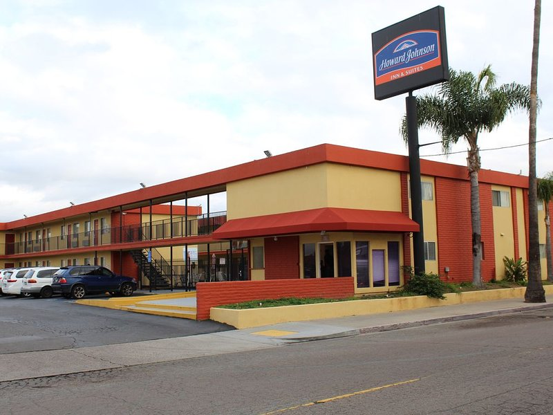 San Diego Hotel Near to the Beaches, Zoo, Convention Center, Airport, Restaurant, alquiler vacacional en Chula Vista
