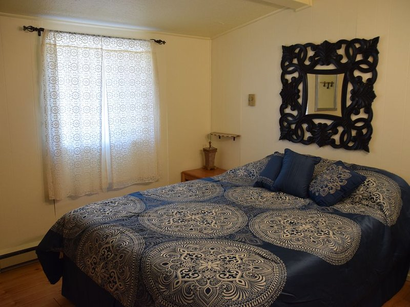 Dog friendly, Beck Hill Hideaway, Homer,  Alaska   Ocean View, mountains,Privacy, holiday rental in Anchor Point