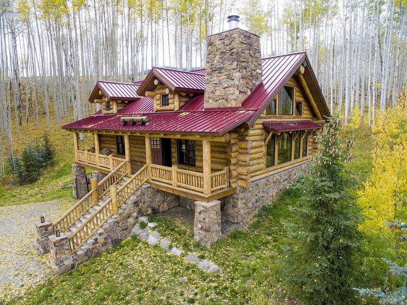 Colorado Luxury Log Home of your dreams in the aspens off the grid, vacation rental in Gypsum