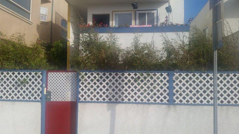 Cozy Beach Apartment near LAX & Silicon Beach, location de vacances à Marina del Rey