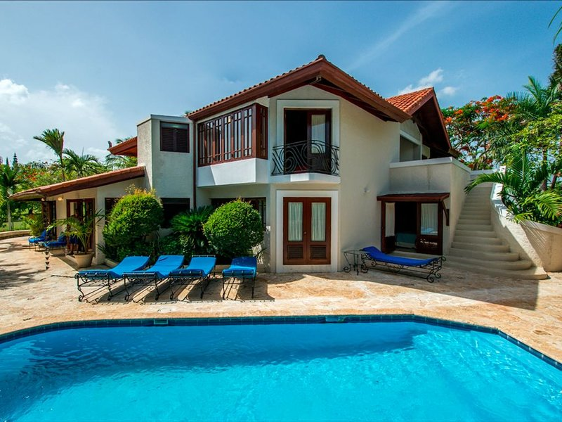 LUXURY VILLA - HIGH SEASON RATE SALE!!, Ferienwohnung in La Romana Province
