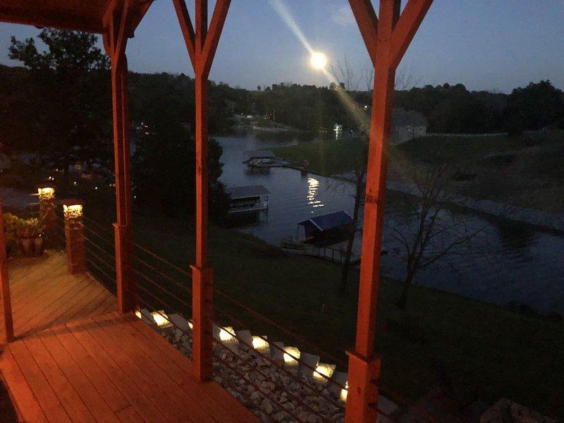 Ark Encounter - Cabin on the Lake, alquiler de vacaciones en Crittenden