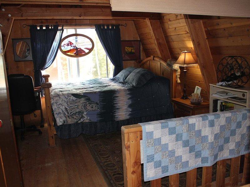 Cozy and Rustic Cabin in Duck Creek Village, casa vacanza a Duck Creek Village