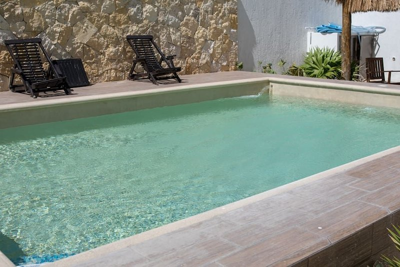 Playa Oasis Luxurious Ocean View 3BR Condo, holiday rental in Chicxulub Municipality