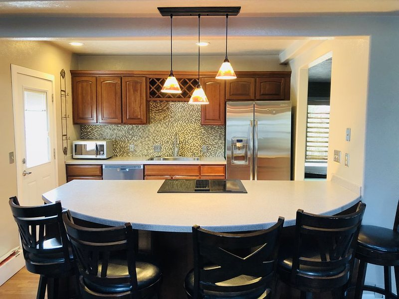 Apartment located above Martins Bistro, holiday rental in Longmont