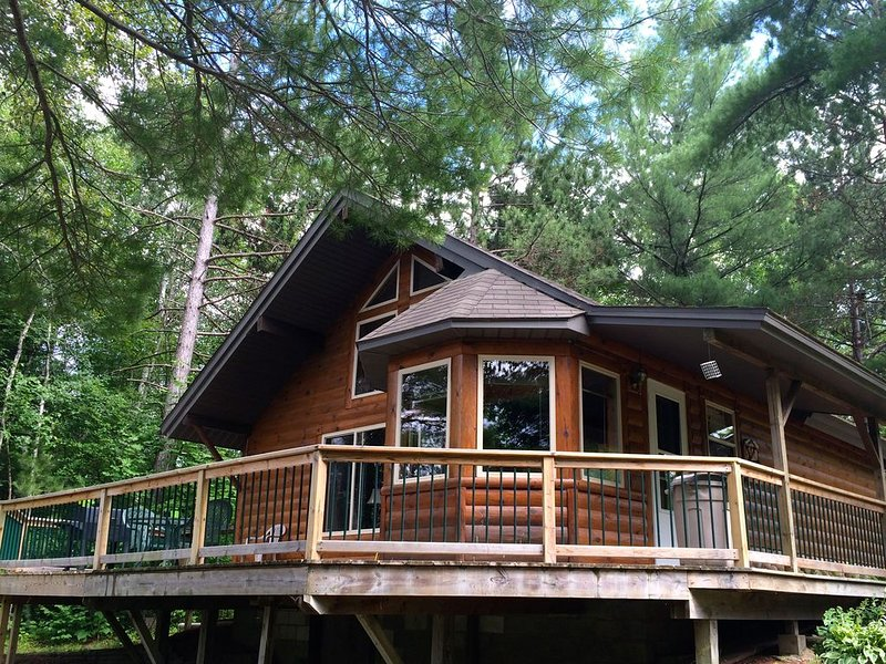 Perfect Tranquility--where nature and wildlife are your only neighbors!, holiday rental in Curran