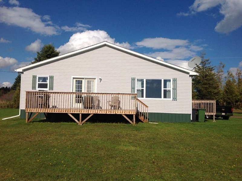 Private, Riverfront, Comfortable, holiday rental in Summerside