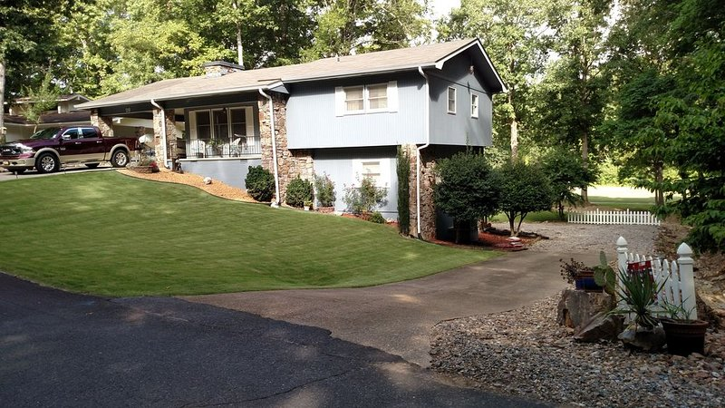 Comfortable home in golfing and boating paradise, Hot Springs Village, Arkansas, vacation rental in Hot Springs Village