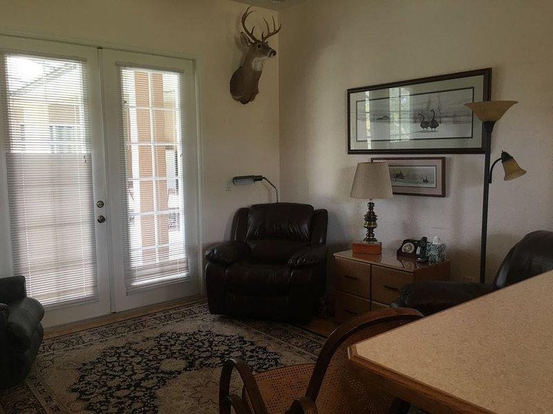 Beautiful 1 BR 1 Bath Inlaw Suite on Quiet 6 Acre Homestead., location de vacances à Christmas