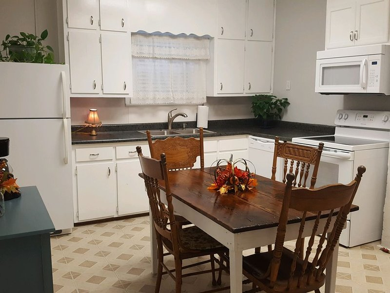 A brand new upgraded country kitchen!